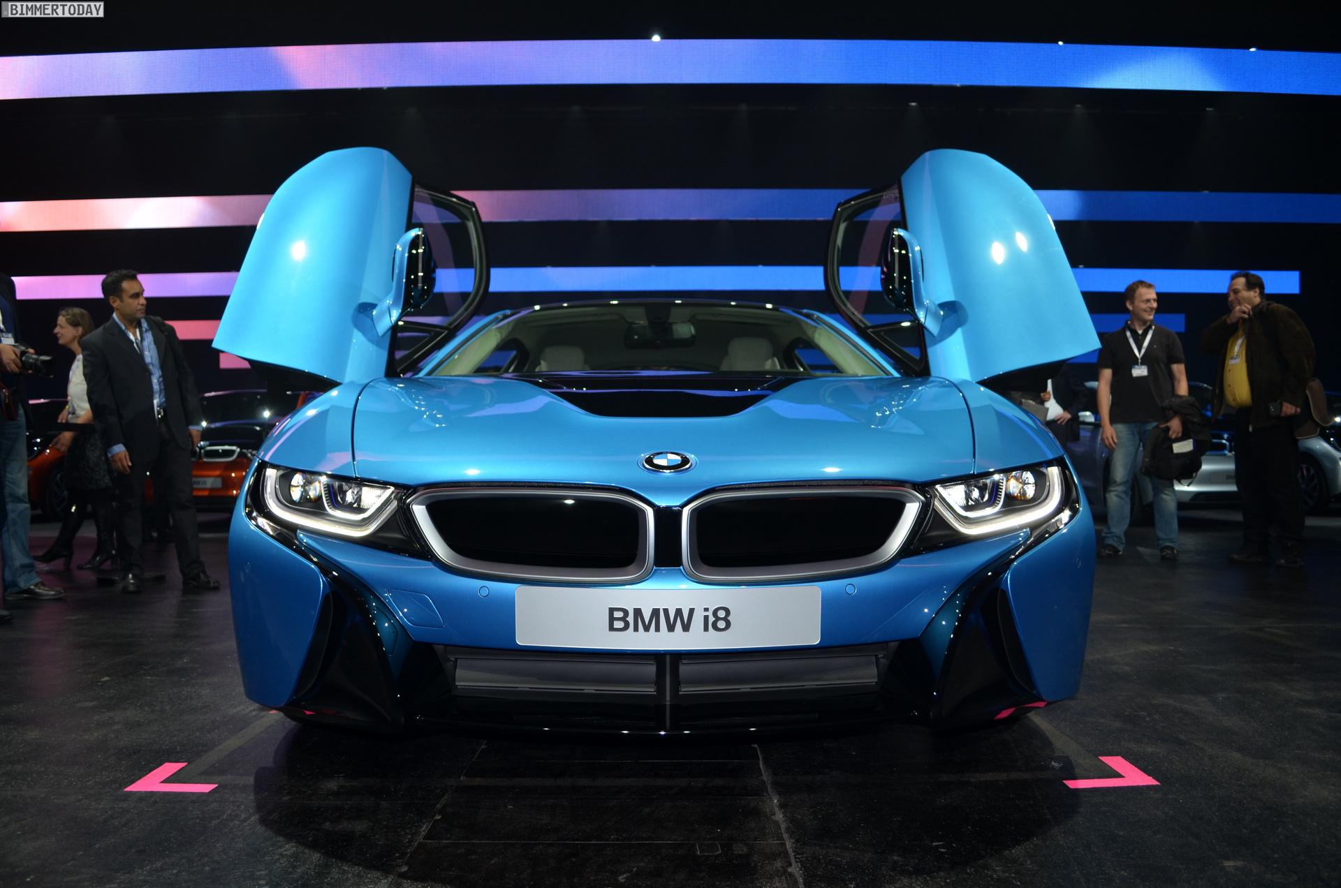 2013 - [BMW] i8 [i12] - Page 13 BMW-i8-Hybrid-eDrive-Weltpremiere-Protonic-Blue-IAA-2013-LIVE-09