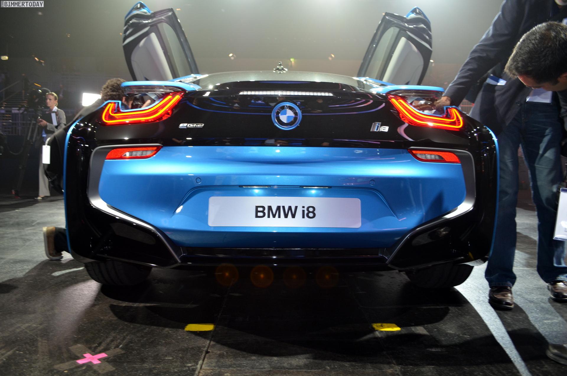 2013 - [BMW] i8 [i12] - Page 13 BMW-i8-Hybrid-eDrive-Weltpremiere-Protonic-Blue-IAA-2013-LIVE-13