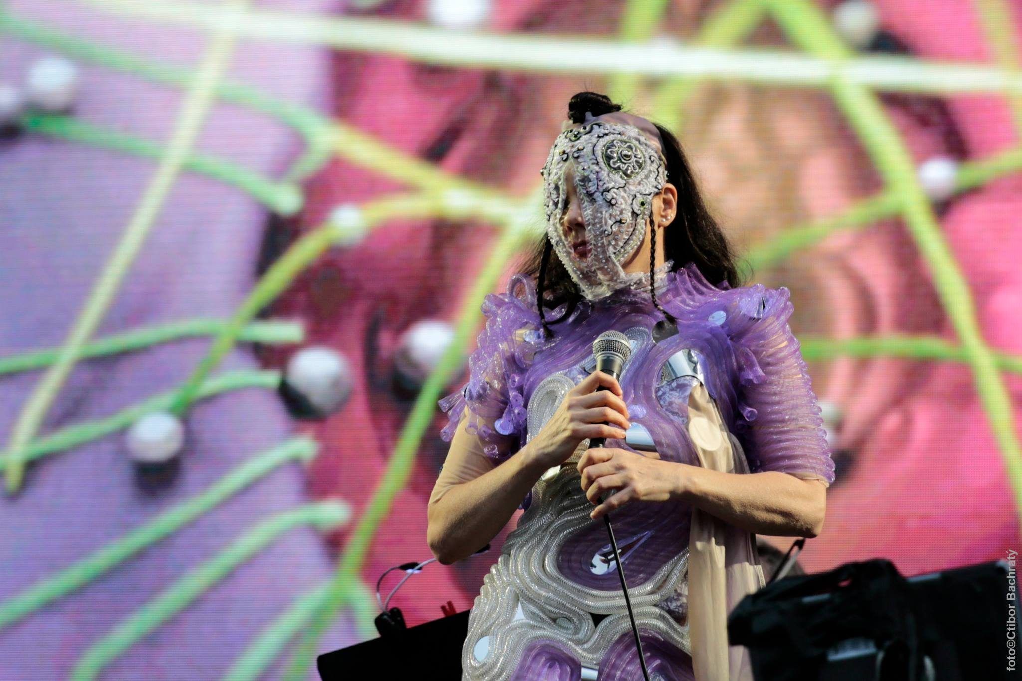 Gira ''Vulnicura'' - Página 2 Bjork_pohoda_festival_2015_16_