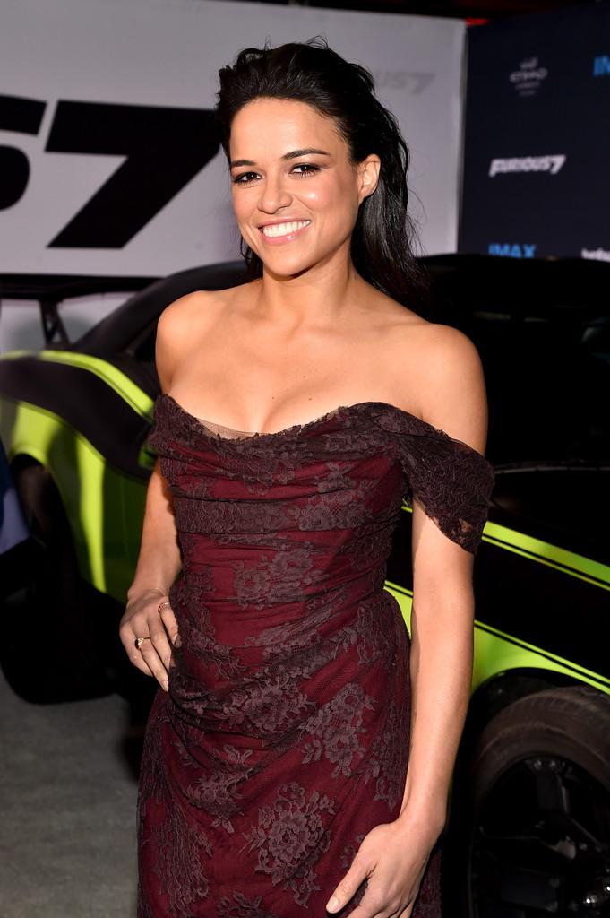 ¿Cuánto mide Michelle Rodríguez? - Real height Furious-7-premiere-Michelle-Rodriguez-2