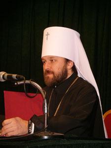Митрополит Иларион: Исповедь не должна быть «билетом на причастие»  ILAR-evx