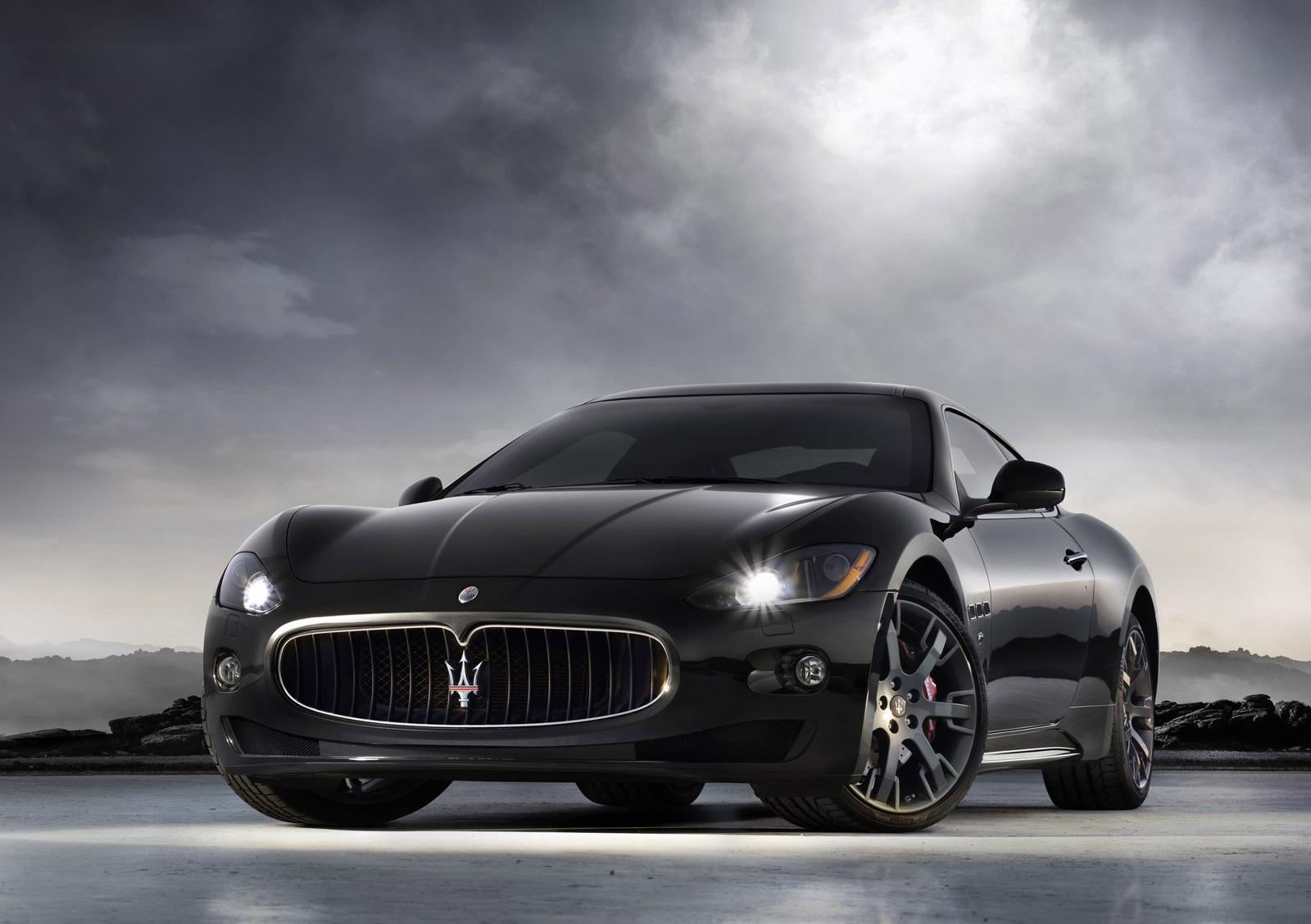 Granturismo 4.2 ou 4200 coupé manuelle ou V8 Vantage ? Maserati-gran-turismo-s-8