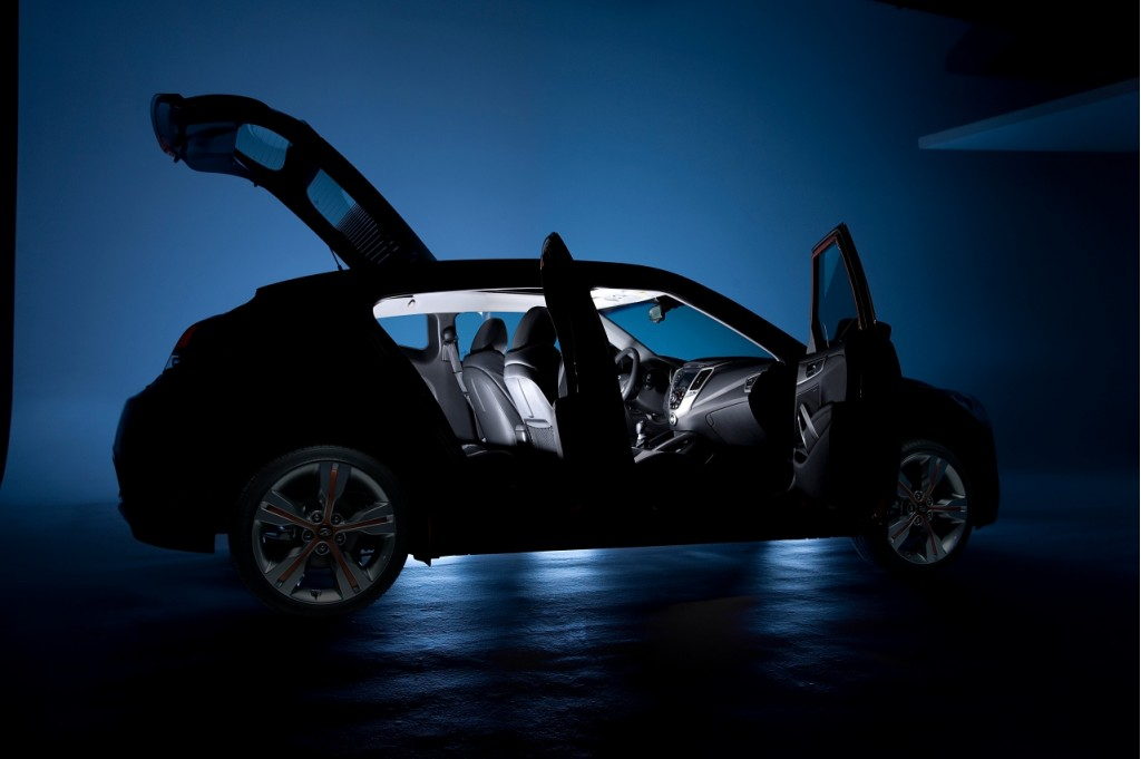 Vídeo espía: Hyundai Veloster 2012-hyundai-veloster-official-teaser100335614l
