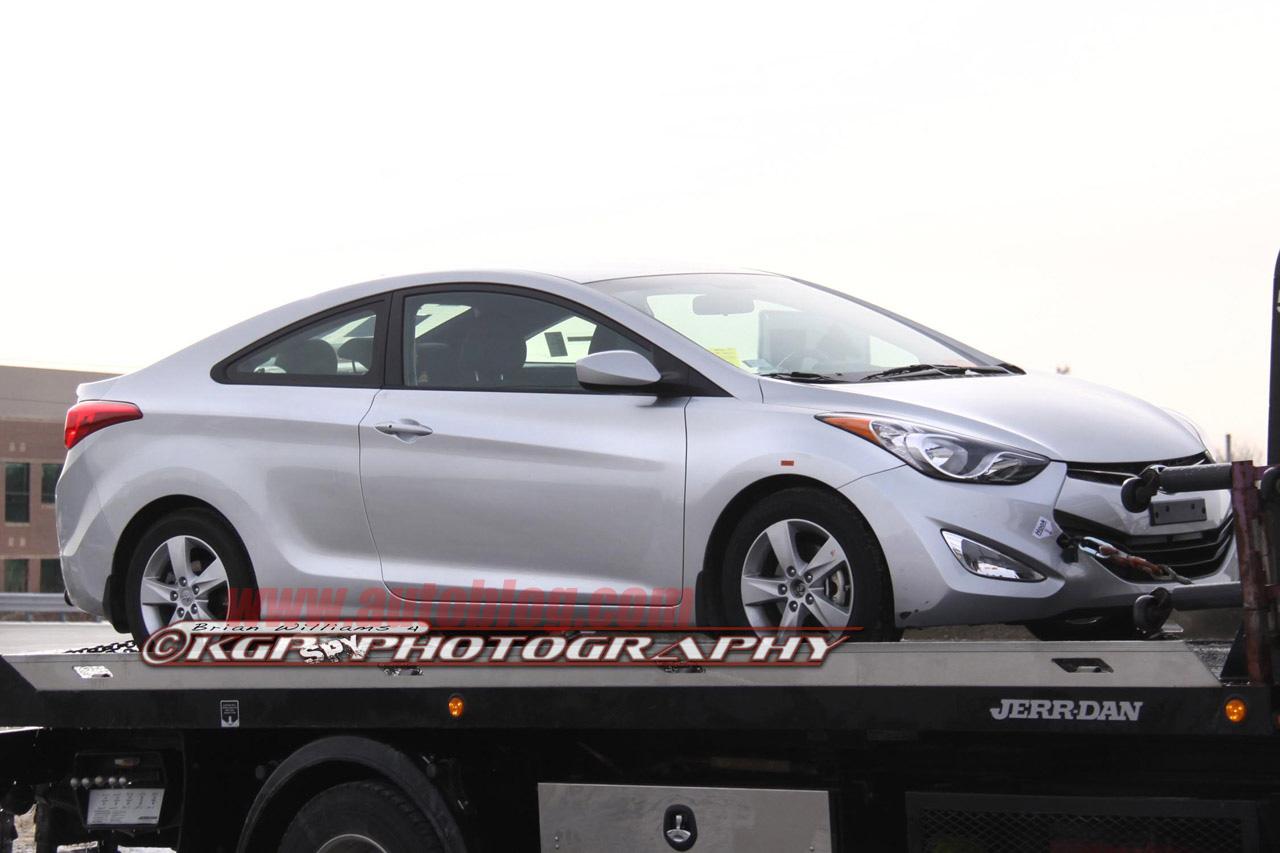 El Hyundai Elantra Coupe en Chicago 02-2013-hyundai-elantra-coupe-spy-shots