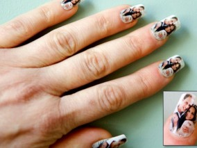 Hands of Royalty - Prince William of Wales Prince-william-kate-winslet-wedding-souvenirs-nail-stickers-590jn030211_284x213