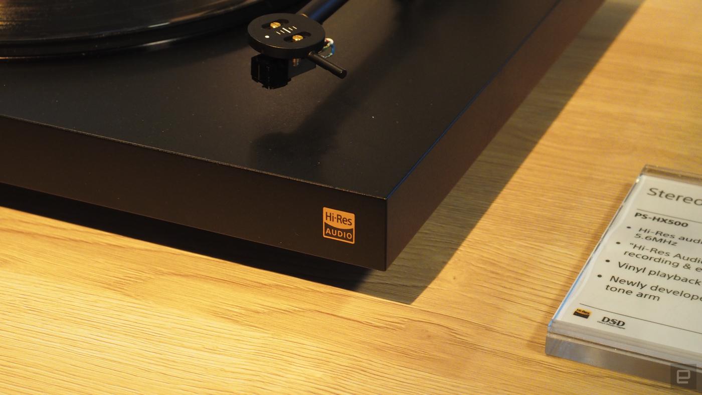Sony apresenta o PS-HX500 turntable na CES 2016 P1050119-1