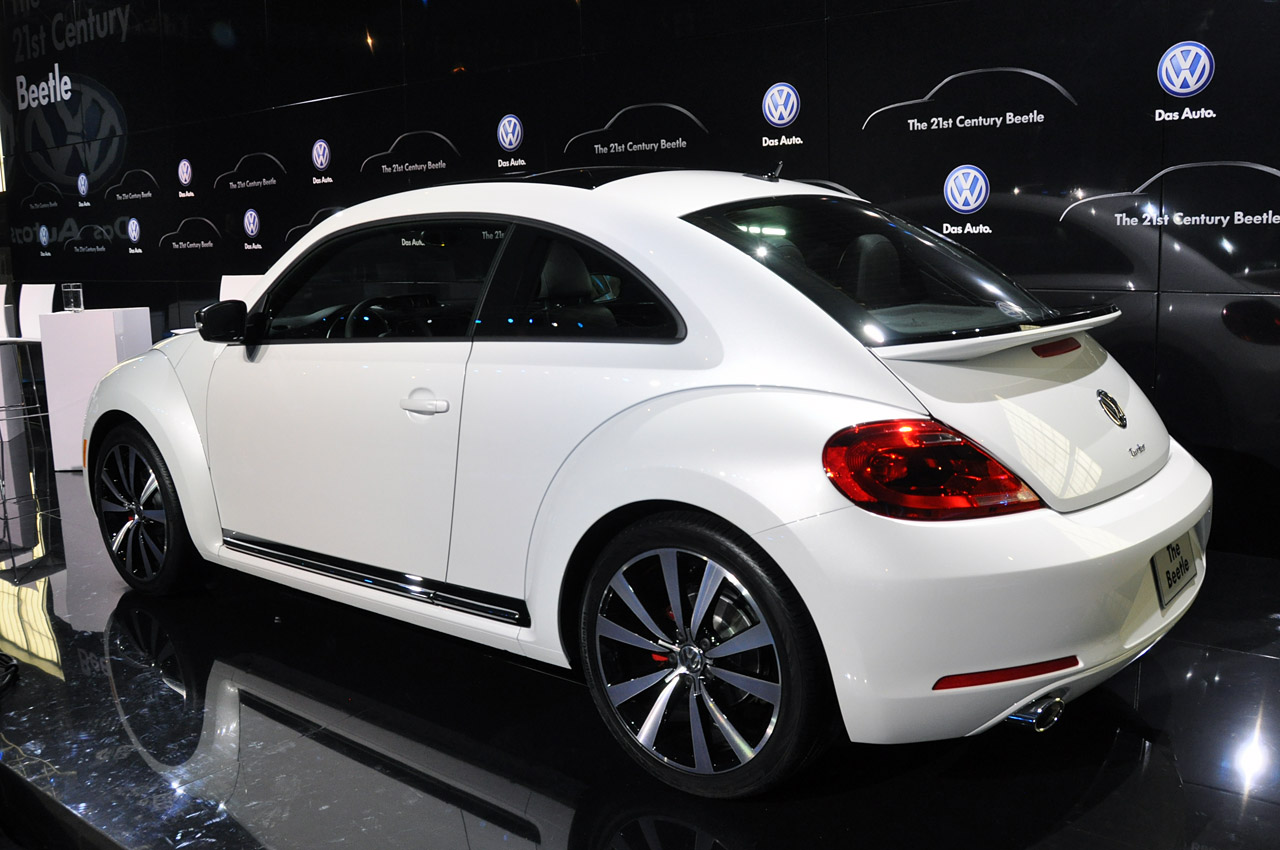 2011 - [Volkswagen] Coccinelle [VW329] - Page 12 02-2012-vw-beetle-debut