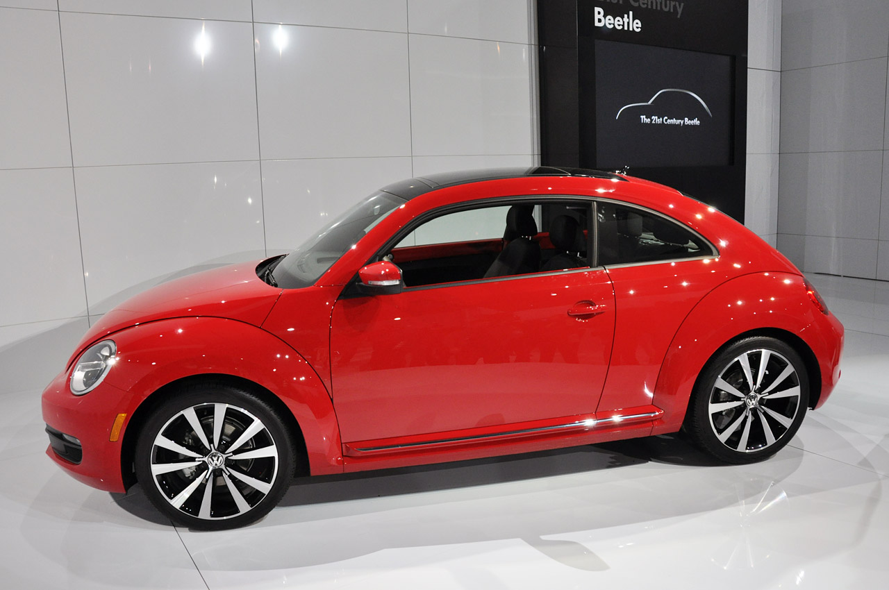 2011 - [Volkswagen] Coccinelle [VW329] - Page 12 33-2012-vw-beetle-debut