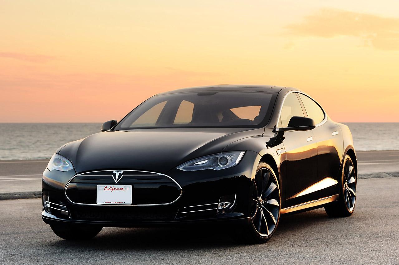Tesla auto: 644 km di autonomia con una sola ricarica  03-2012-tesla-model-s-fd-1347336750