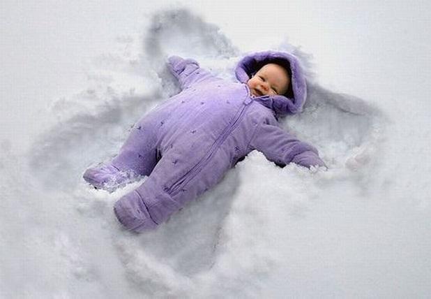 Cae la nieve Bebe_en_la_nieve