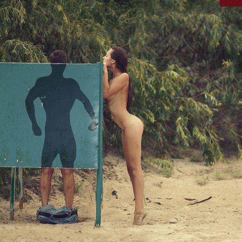 humor graficos,caricaturas,fotos curiosas - Página 9 Chica-desnuda-espia