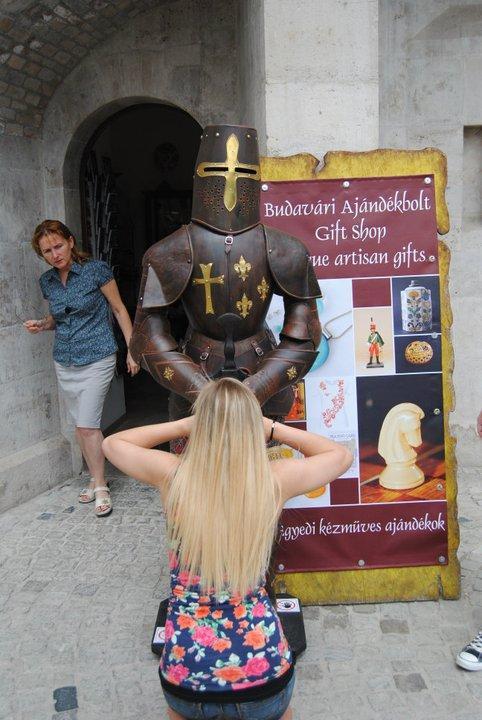 Humore montazhi dhe foto tjera humoristike - Faqe 2 El-morbo-de-la-armadura
