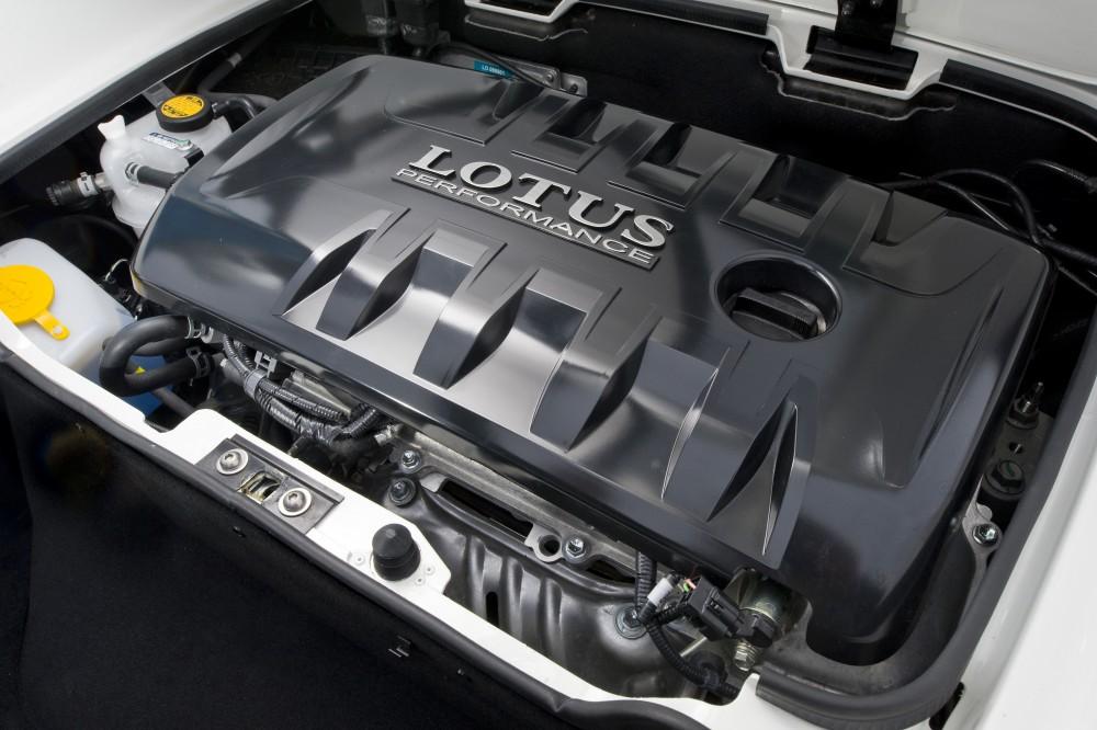il motore borbotta e va a scatti in ripresa - S1 - Pagina 2 Nuova-Lotus-Elise-MY2011-06