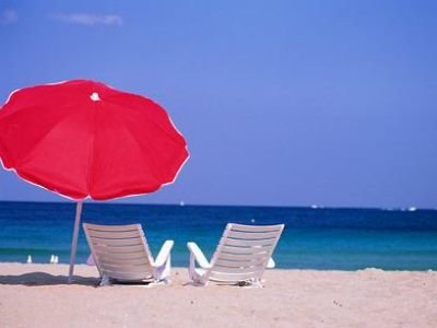 CONSIGLI PER L'ESTATE In-estate-sotto-lombrellone-gli-allergici-lintolleranza-al-sole-e-in-aumento