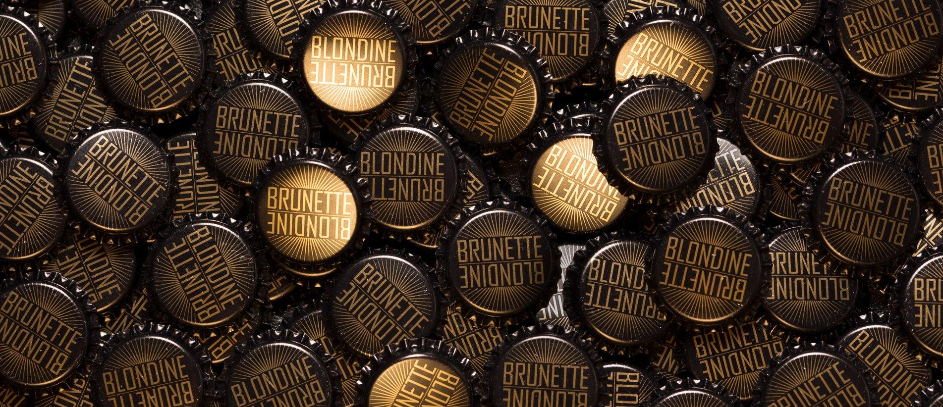 Blondine Brunette aux accents allemands Kronkorken
