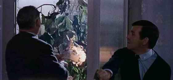 Le Train des épouvantes (Dr. terror's house of horrors) Dr-terrors-house-of-horrors-08