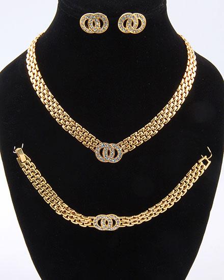 اطقام مجوهرات ذهبية وفضية لك انت وحدك 103626