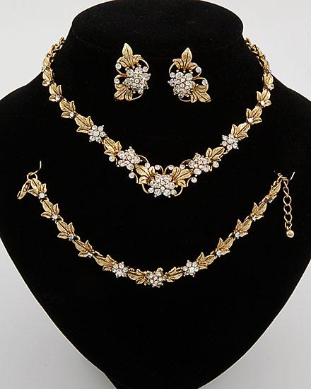 اطقام مجوهرات ذهبية وفضية لك انت وحدك 137656