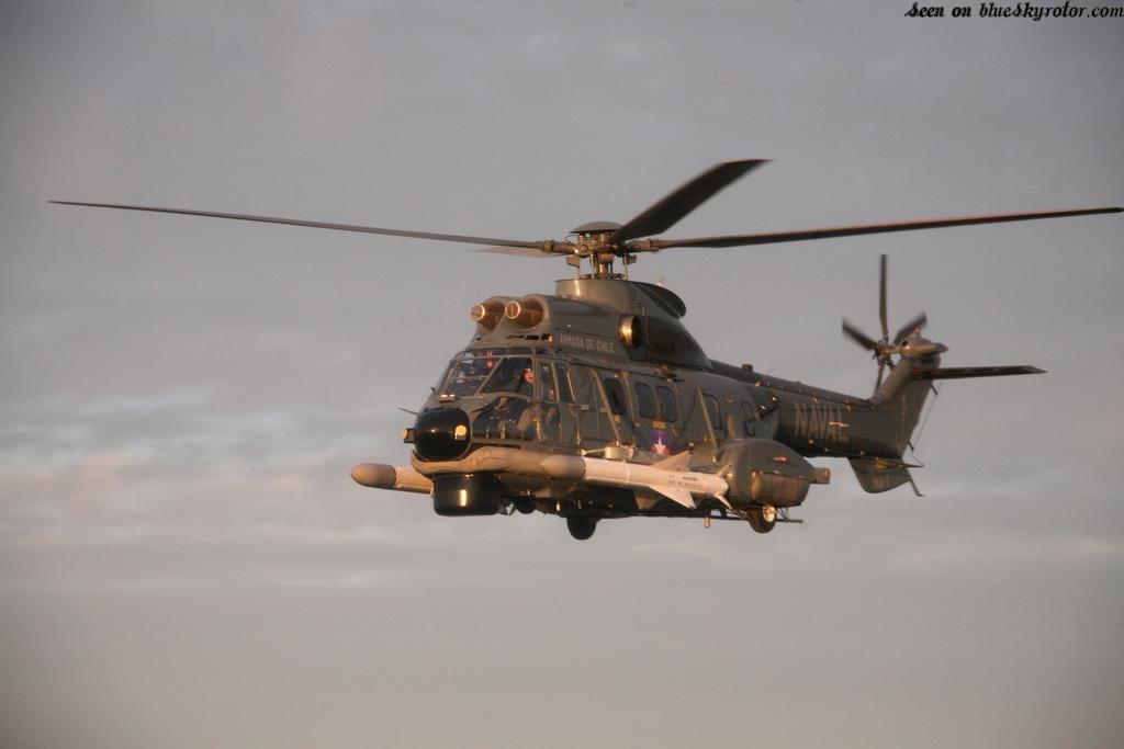 La Armada de Brasil firma el contrato de integración de los misiles Exocet en los helicópteros EC725. SH-32_with_Exocet_missile