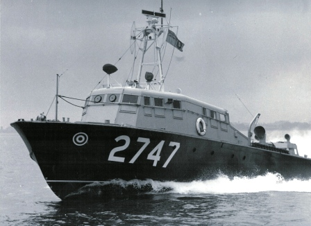 bombe a 1000 messages - Page 38 2747%20MK1%20B%20Rescue%20and%20Target%20Towing%20Launch%20Vosper%205354