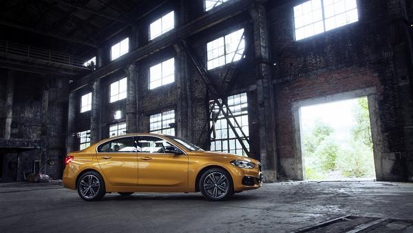 2016 - [BMW] Série 1 Sedan [F52] - Page 9 04
