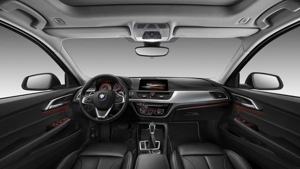 2016 - [BMW] Série 1 Sedan [F52] - Page 9 05