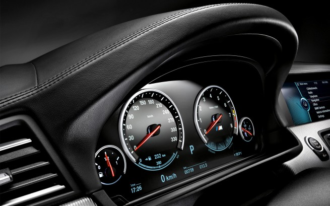 Nouvelle BMW M5  2012-bmw-m5-wallpaper-13-655x409