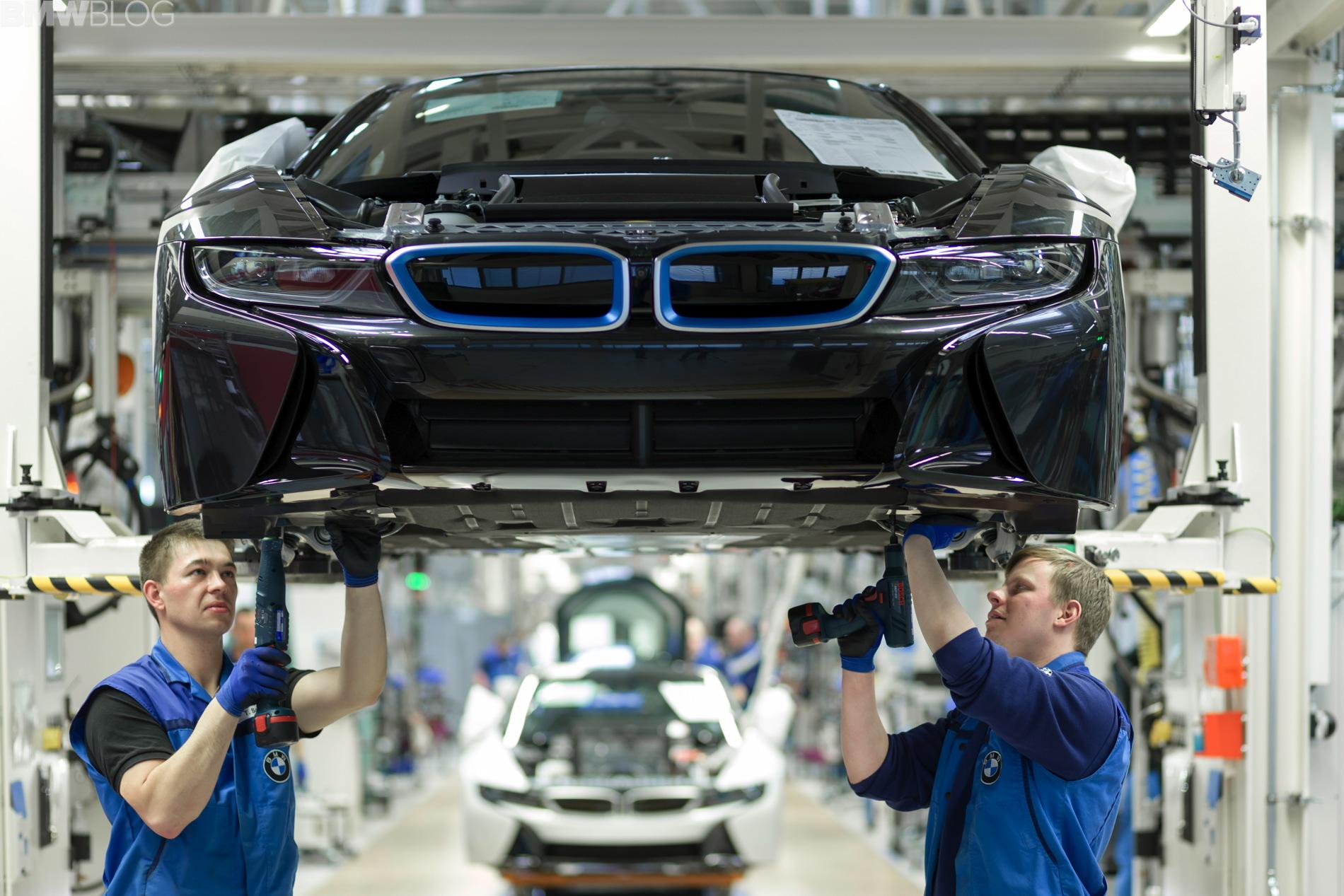 2013 - [BMW] i8 [i12] - Page 17 Assembly-bmw-i-models18
