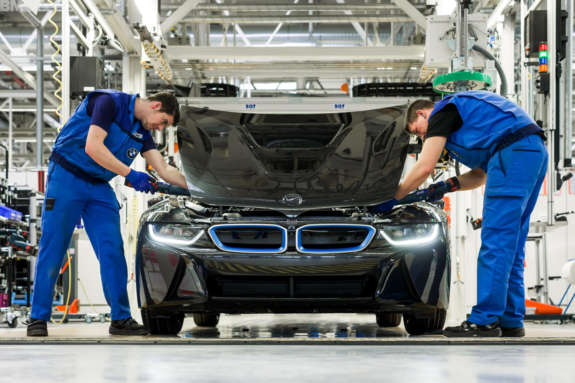 2013 - [BMW] i8 [i12] - Page 17 Assembly-bmw-i-models20