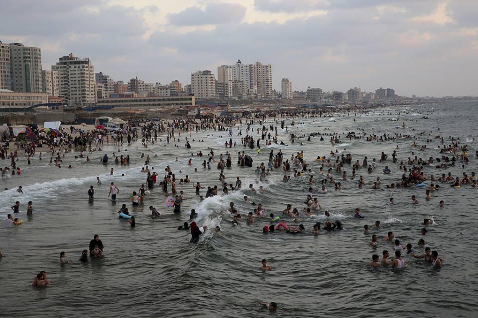 غزة عروسة ع البحر .. زانت لياليها Bntpal.com_1472321826316