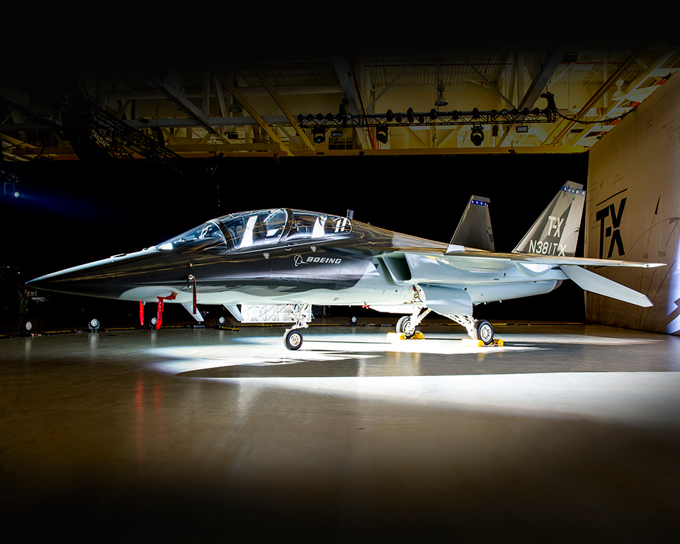 Boeing (Saab) T-X Tx_rollout2_960