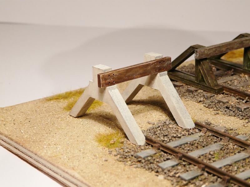 [Bois Modélisme] Nouveautés O : HeurtoirS, Palettes, Fut, Feux fin de convoi, Bouteille Gaz, Boite aux Lettres Etc. Heurtoir_train_o_heurtoir_LED_butoir_ho_butoir_LED_rail_heurtoir_rail_heurtoir_o_feu_de_heurtoir_butoir_led_o_heurtoir_bi_bloc_heurtoir_bi_bloc_o_1_