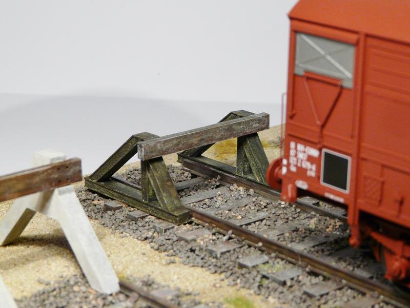 [Bois Modélisme] Nouveautés O : HeurtoirS, Palettes, Fut, Feux fin de convoi, Bouteille Gaz, Boite aux Lettres Etc. Heurtoir_train_o_heurtoir_LED_butoir_o_butoir_LED_rail_heurtoir_rail_heurtoir_o_feu_de_heurtoir_butoir_led_o_heurtoir_bi_bloc_heurtoir_bi_bloc_o_heurtoir_moderne_1