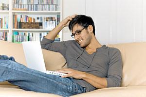 Što misliš da sada radi osoba iznad prikaži slikom - Page 3 Laptop
