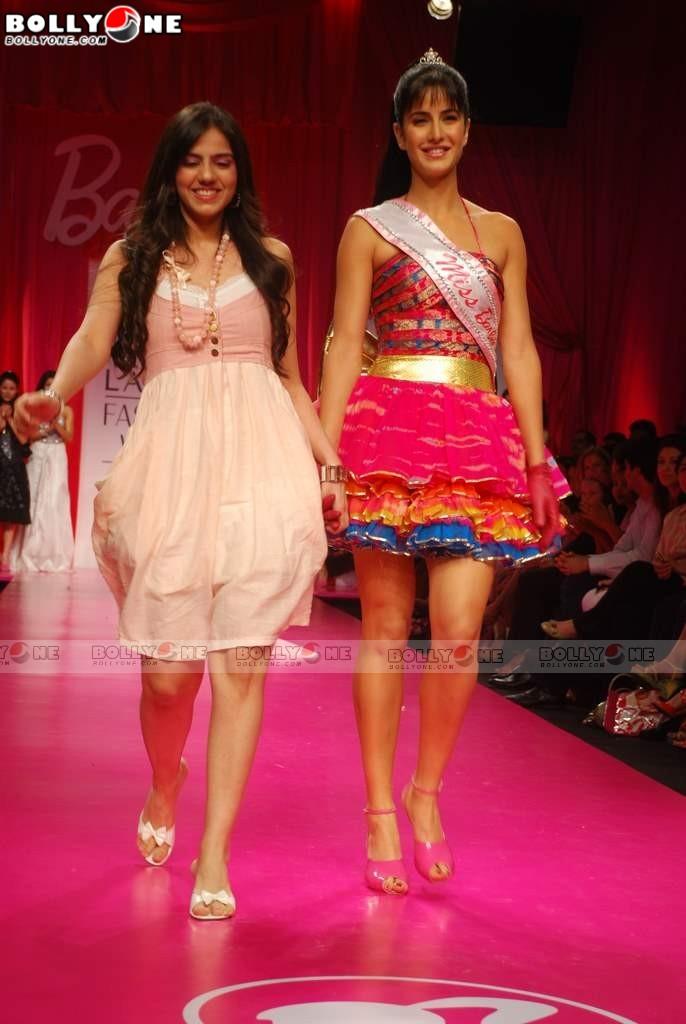 Katrina Kaif Barbie doll Ramp Walk at 2009 Lakme Fashion Week Katrina-barbie-doll-fashion-week-11