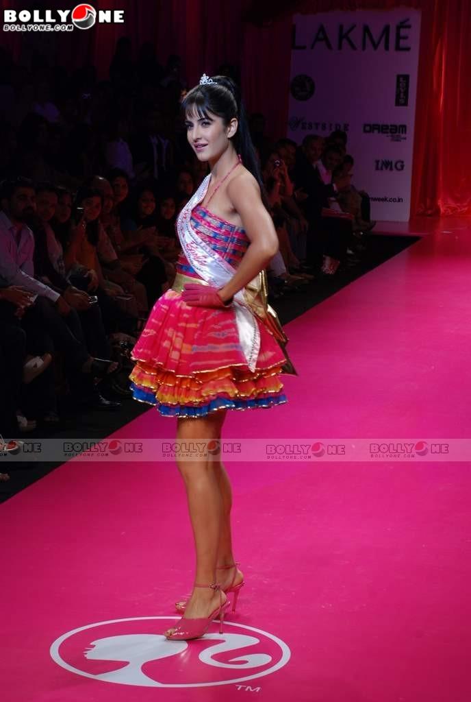 Katrina Kaif Barbie doll Ramp Walk at 2009 Lakme Fashion Week Katrina-barbie-doll-fashion-week-22