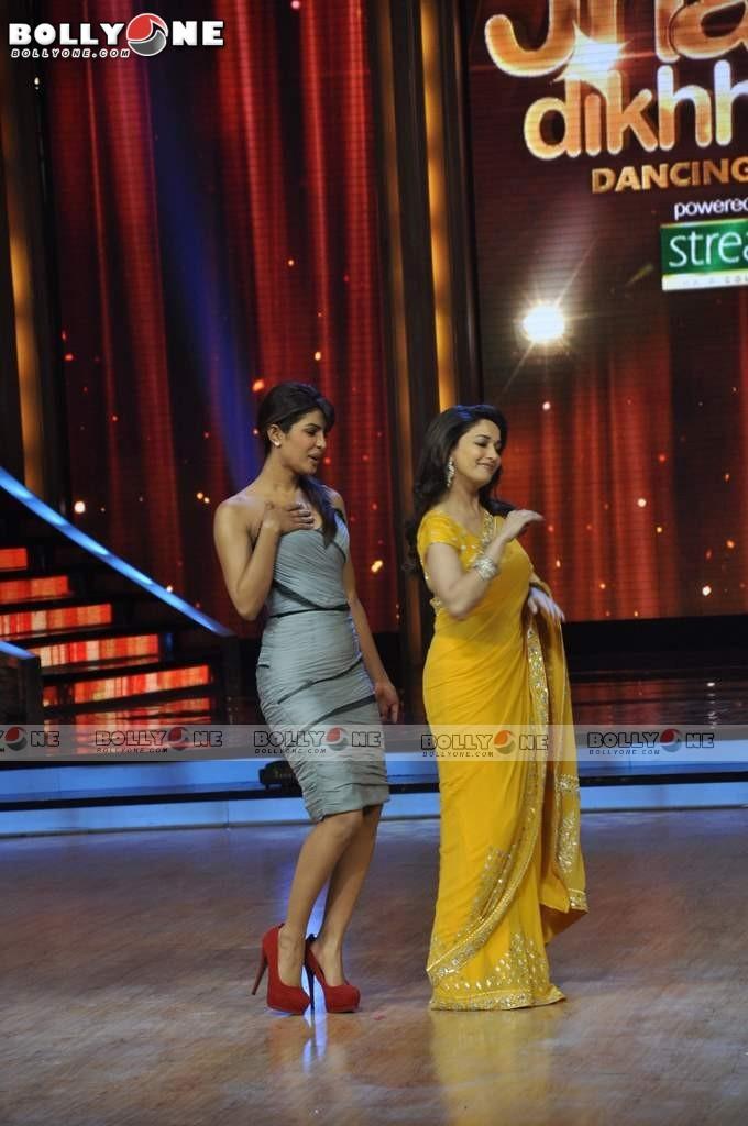Madhuri Dixit - Stránka 11 Barfi-Star-Cast-5