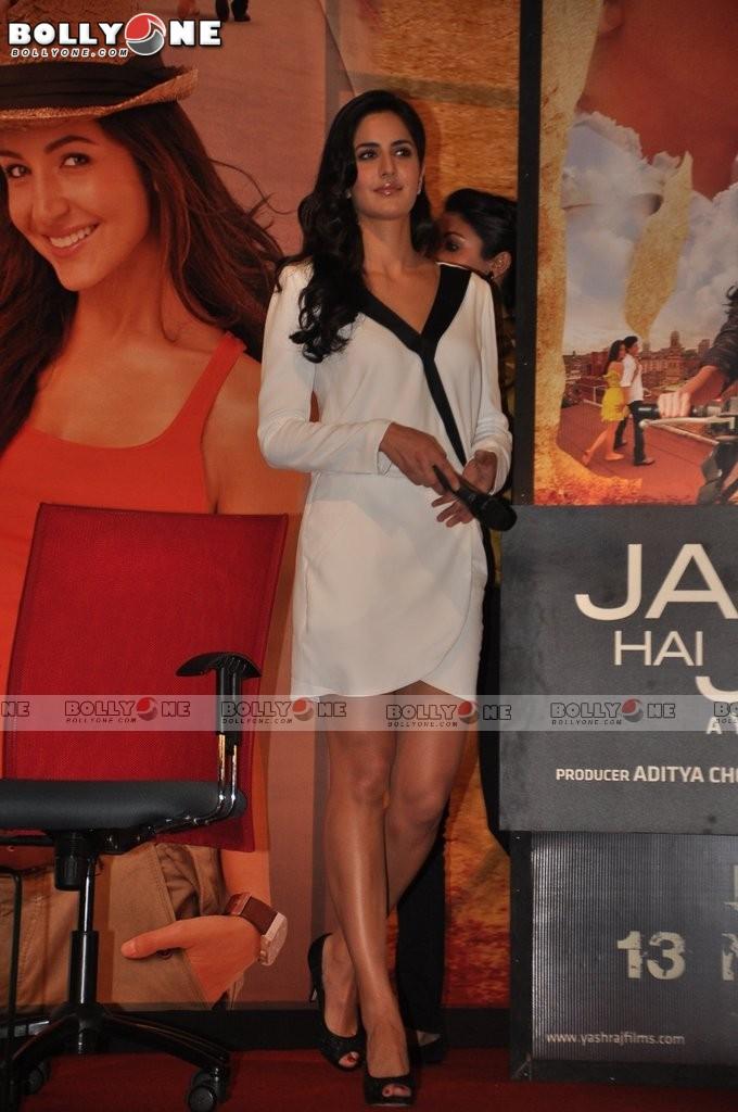 Катрина Каиф / Katrina Kaif - Страница 2 Jab-Tak-Hai-jaam-Movie-Promotion-10
