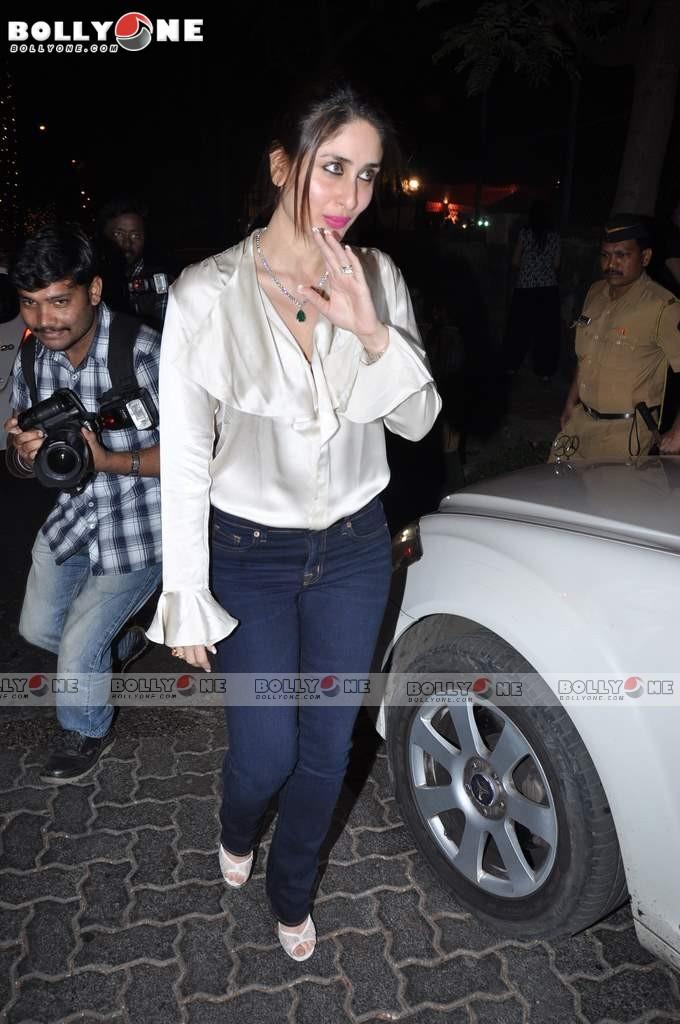 БЕБО - Карина Капур / Kareena Kapoor - Страница 10 Kareena-Karishma-1