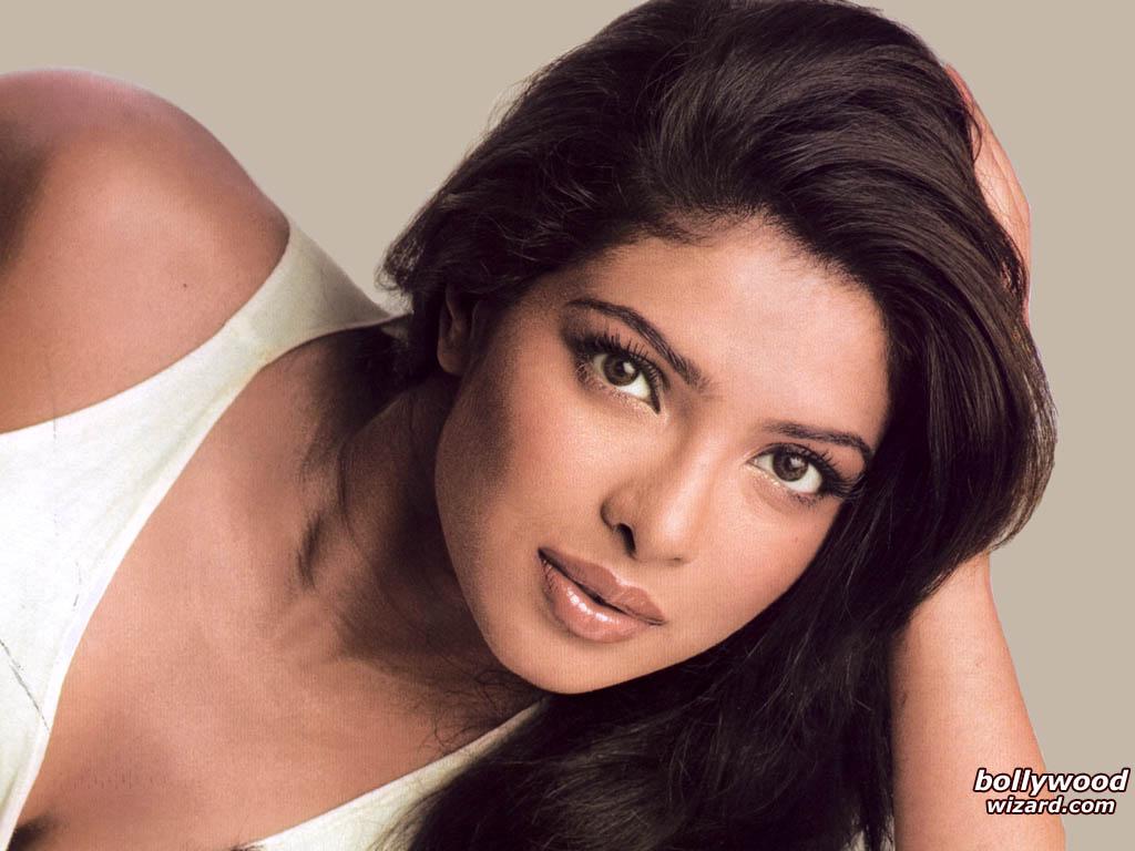 Priyanka Chopra Priyanka_chopra_004_1024x768_ztcs