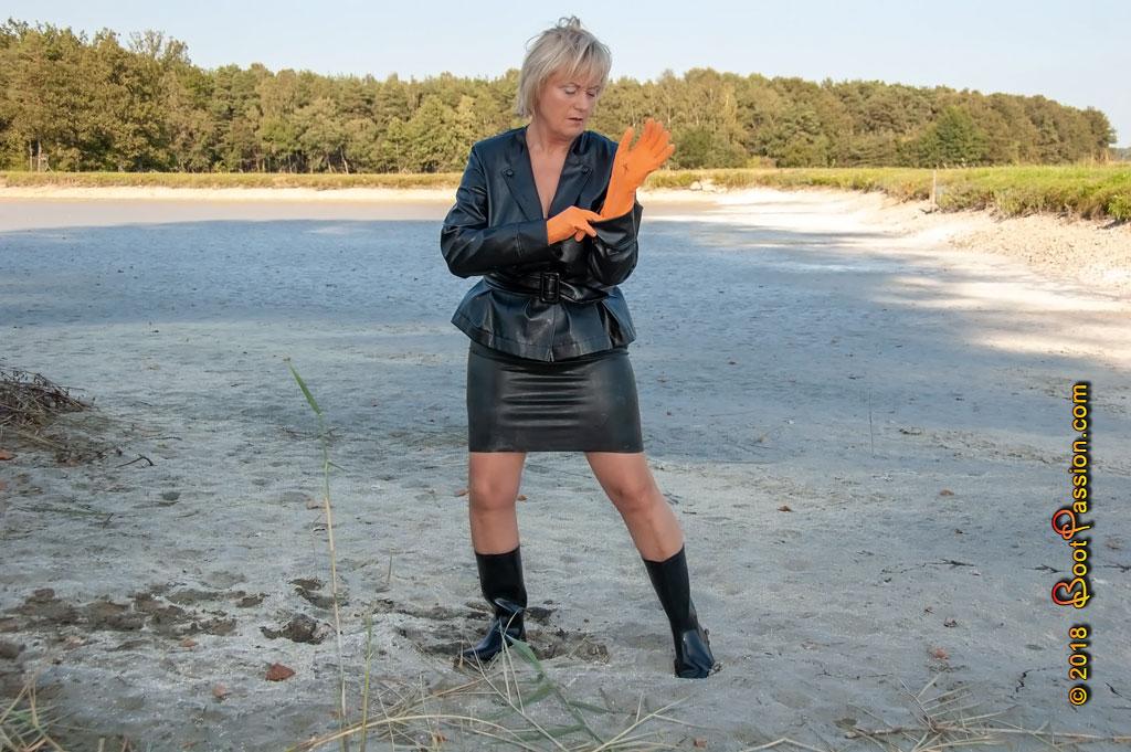 Сапоги и зыбучие пески... P697_01