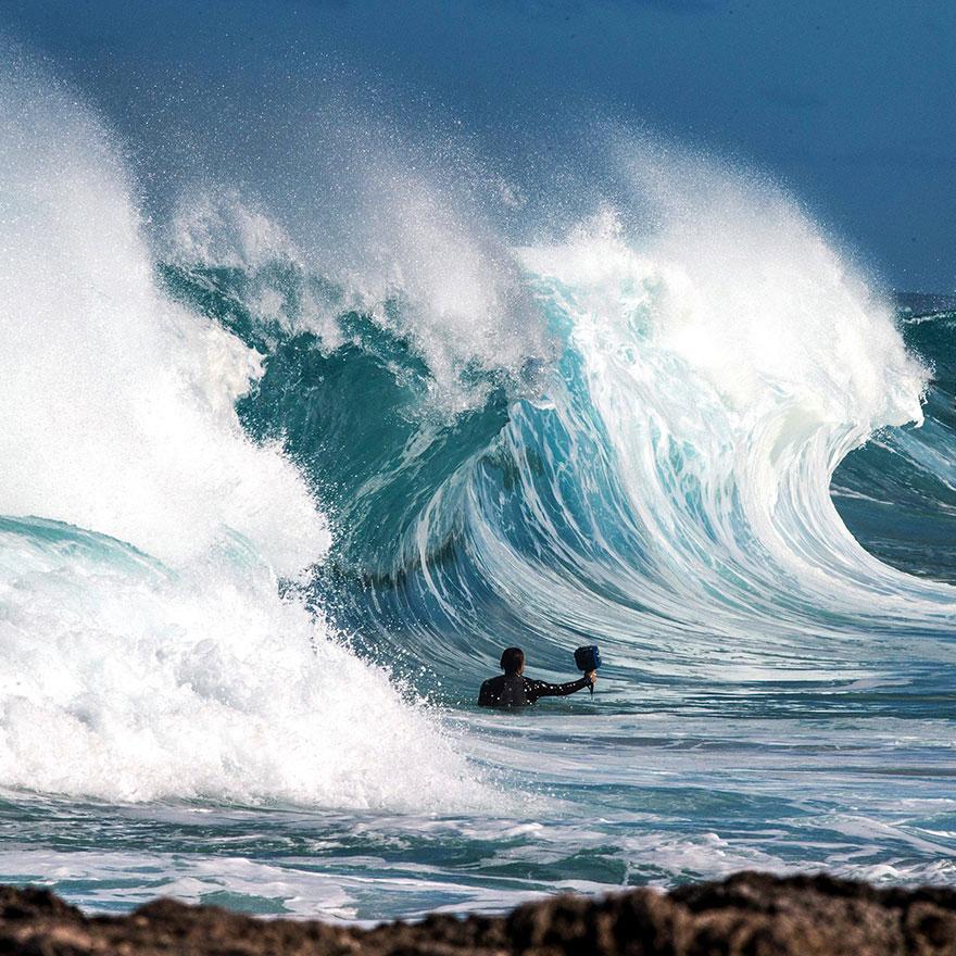 Sóng biển Shorebreak-wave-photography-clark-little-1