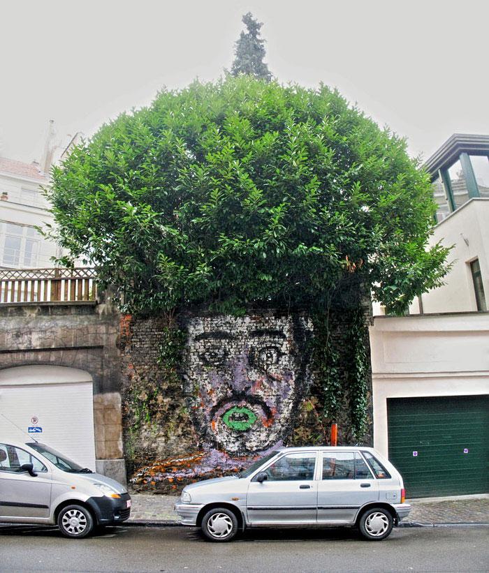Street art Street-art-interacts-with-nature-20