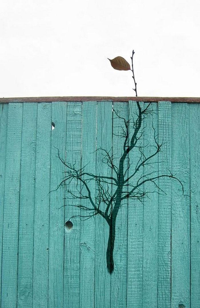 Street art Street-art-interacts-with-nature-26