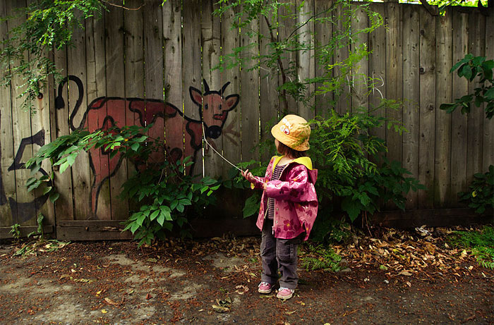 Street art Street-art-interacts-with-nature-27