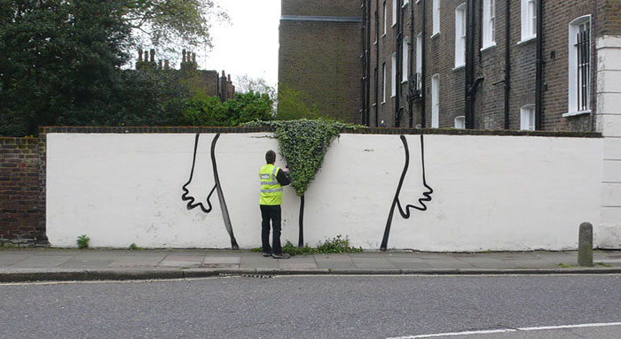 Street art Street-art-interacts-with-nature-7