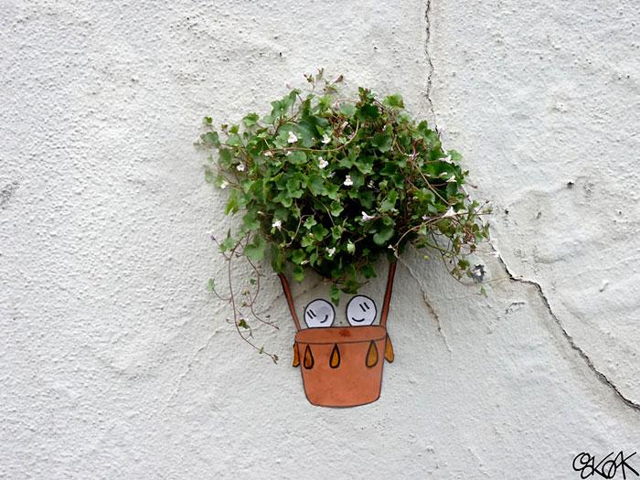Street art Street-art-interacts-with-nature-9