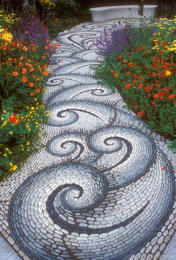 Những con đường lát sỏi đẹp Garden-pebble-stone-paths-3