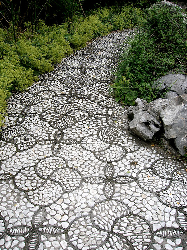 Những con đường lát sỏi đẹp Garden-pebble-stone-paths-6