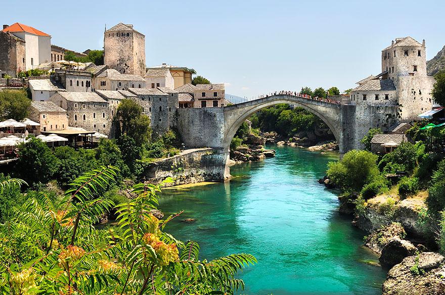 Những cây cầu nên thơ Old-Mysterious-Bridges4__880